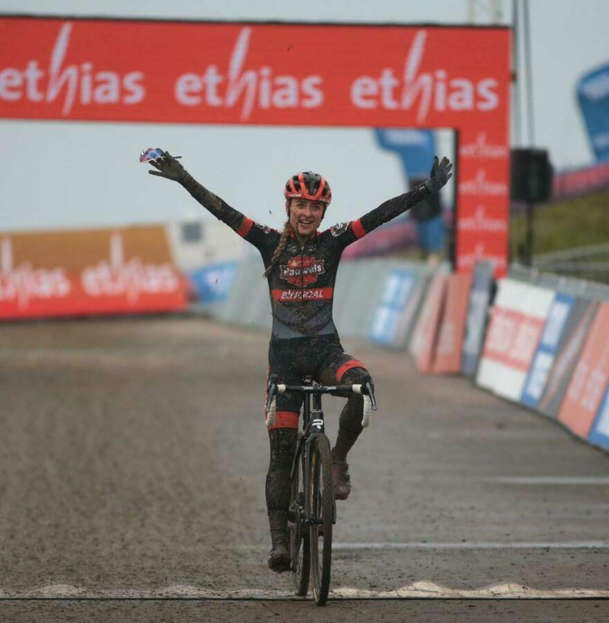 Again Orange at the top of the women's cross : Betsema supreme in Hulst, Brand certain of overall victory World Cup