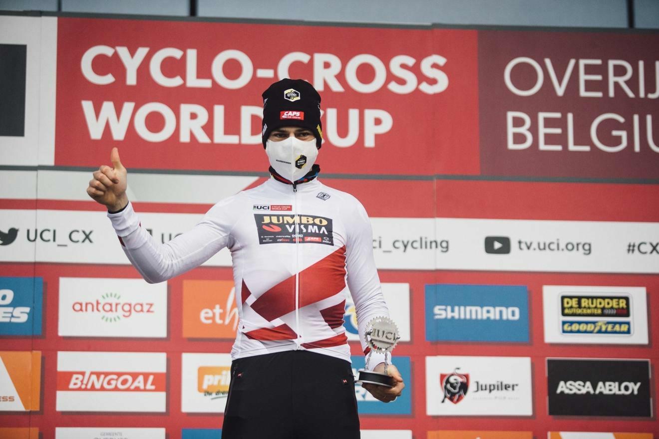 Wout van Aert remporte une troisième victoire finale à la Coupe du Monde