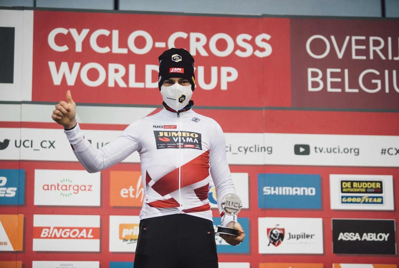 Wout van Aert wins World Cup for third time