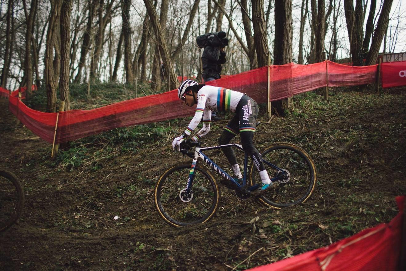 World champion Alvarado wins last race in Overijse