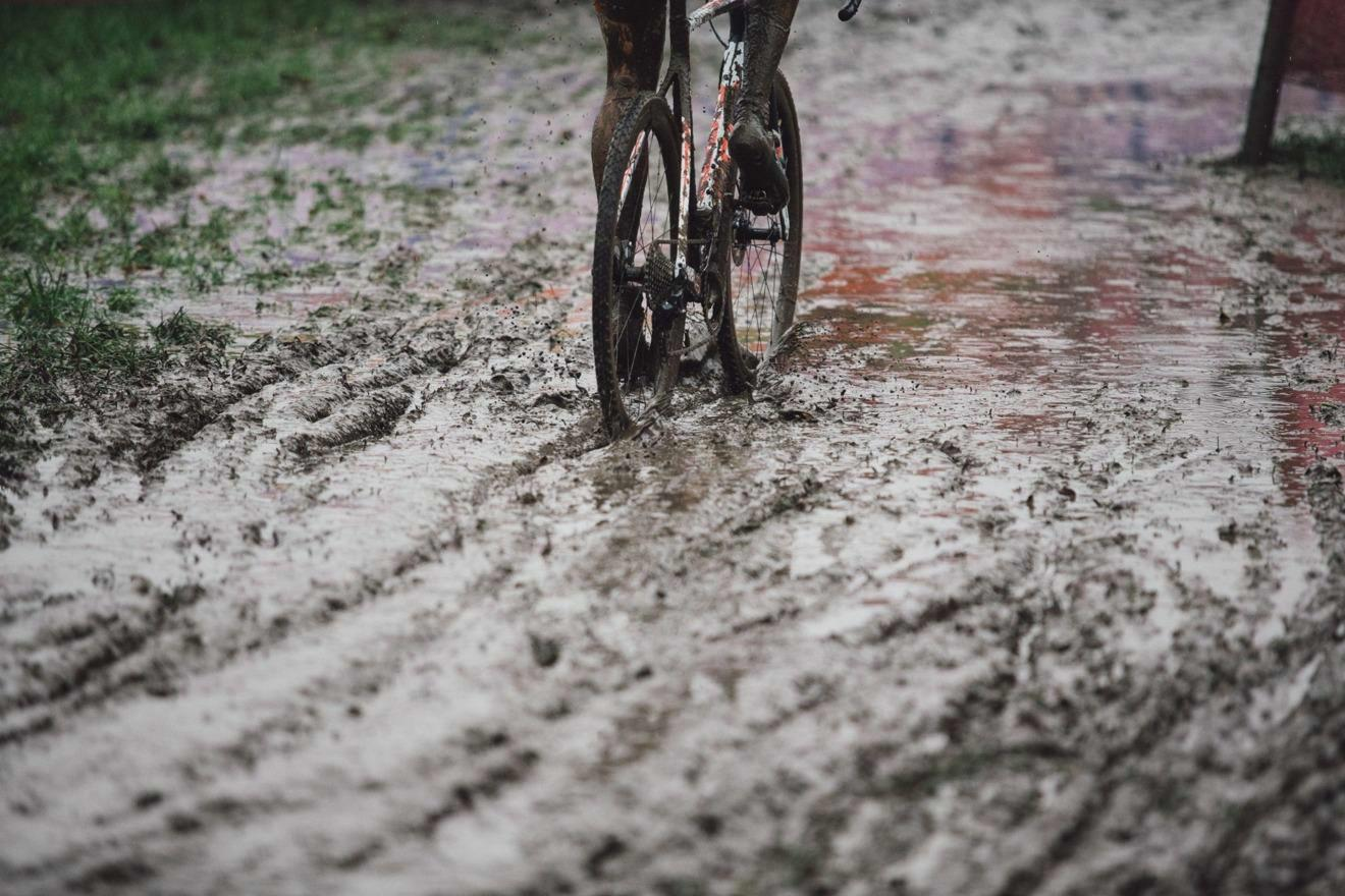 16 races in 2021-2022 UCI Cyclo-cross World Cup